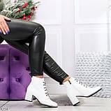 Белые глянцевые женские замшевые ботинки ботильоны на шнуровке, фото 4