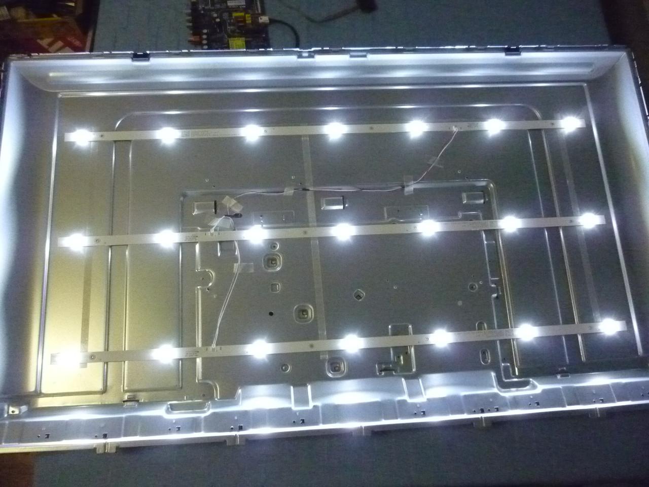 Светодиодные LED-линейки LB-C430F18-E5C-H-G11-XRK1 (матрица C430Y19-5C).