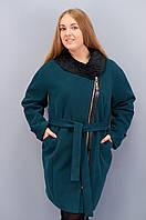 Молодёжное пальто прямого кроя  c каракулем