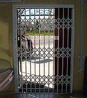 Раздвижная решетка на дверь Шир.1380*Выс2100мм для магазинов, фото 1