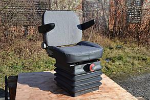 Сиденье кабины МТЗ + подлокотники  80В-6800000. Сидіння кабіни МТЗ