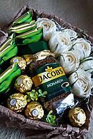 Набор с чаем, кофе, цветами и конфетами