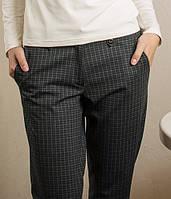 Теплые женские брюки в клетку