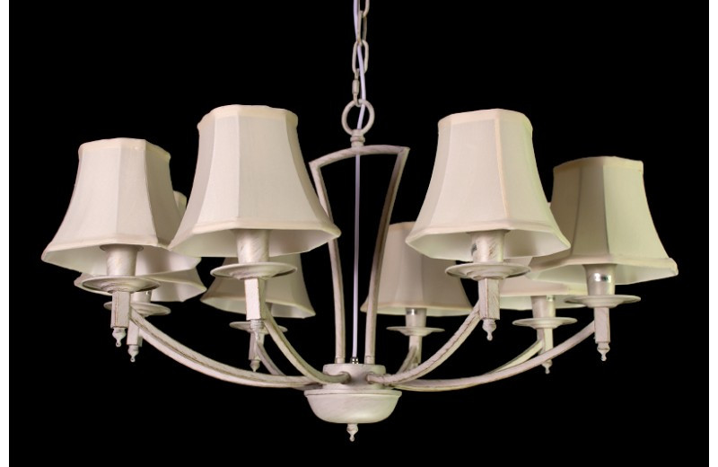 Люстра з абажурами на 8 ламп