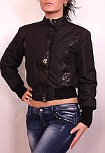Жіноча куртка з плащової тканини