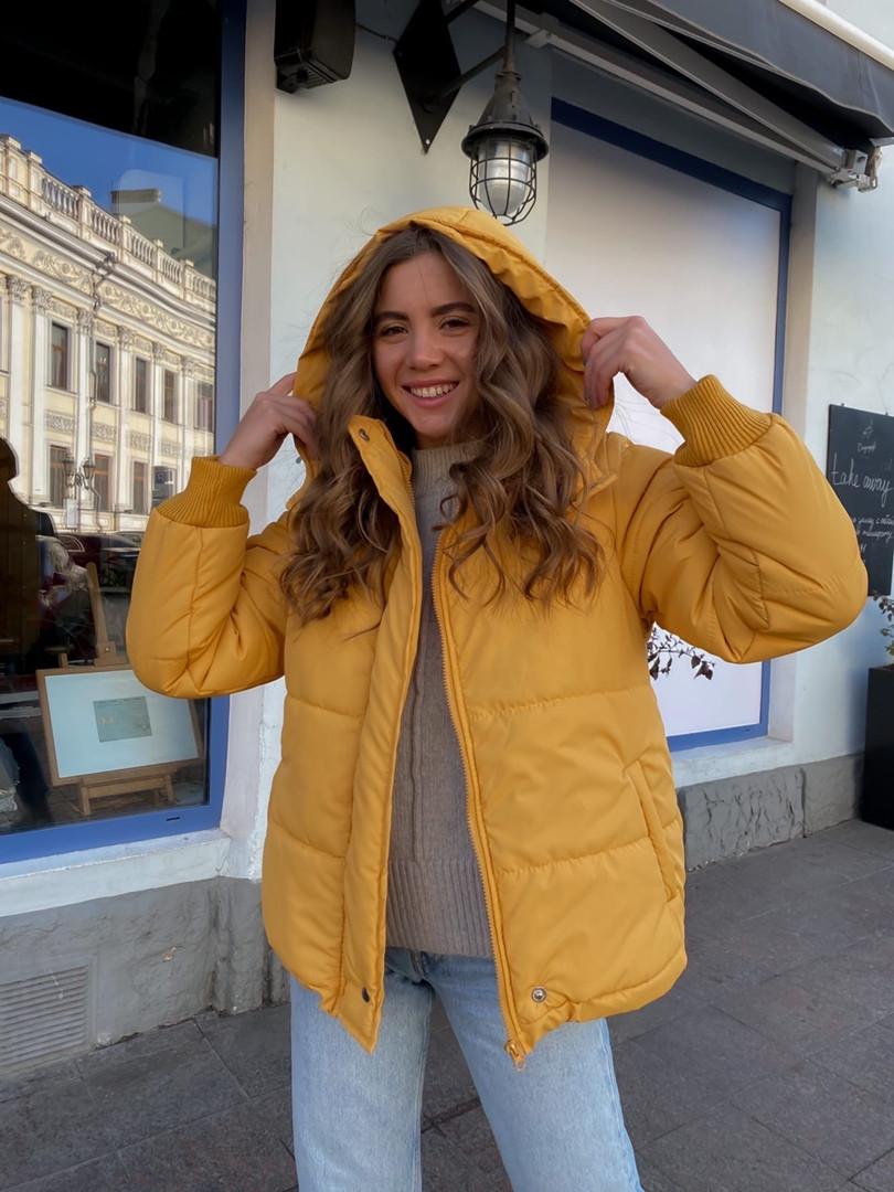 Женская куртка с капюшоном на змейке 39-913