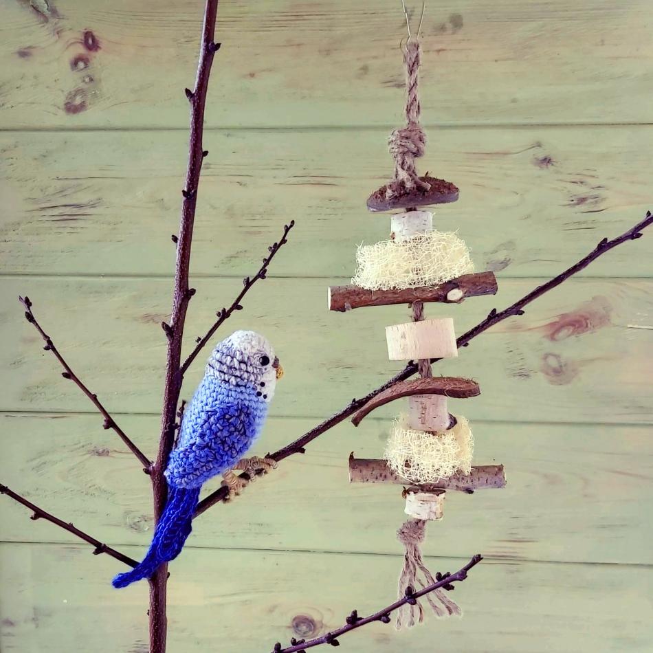 Игрушка для попугаев с кокосом и люфой 32см Zelena Zoo