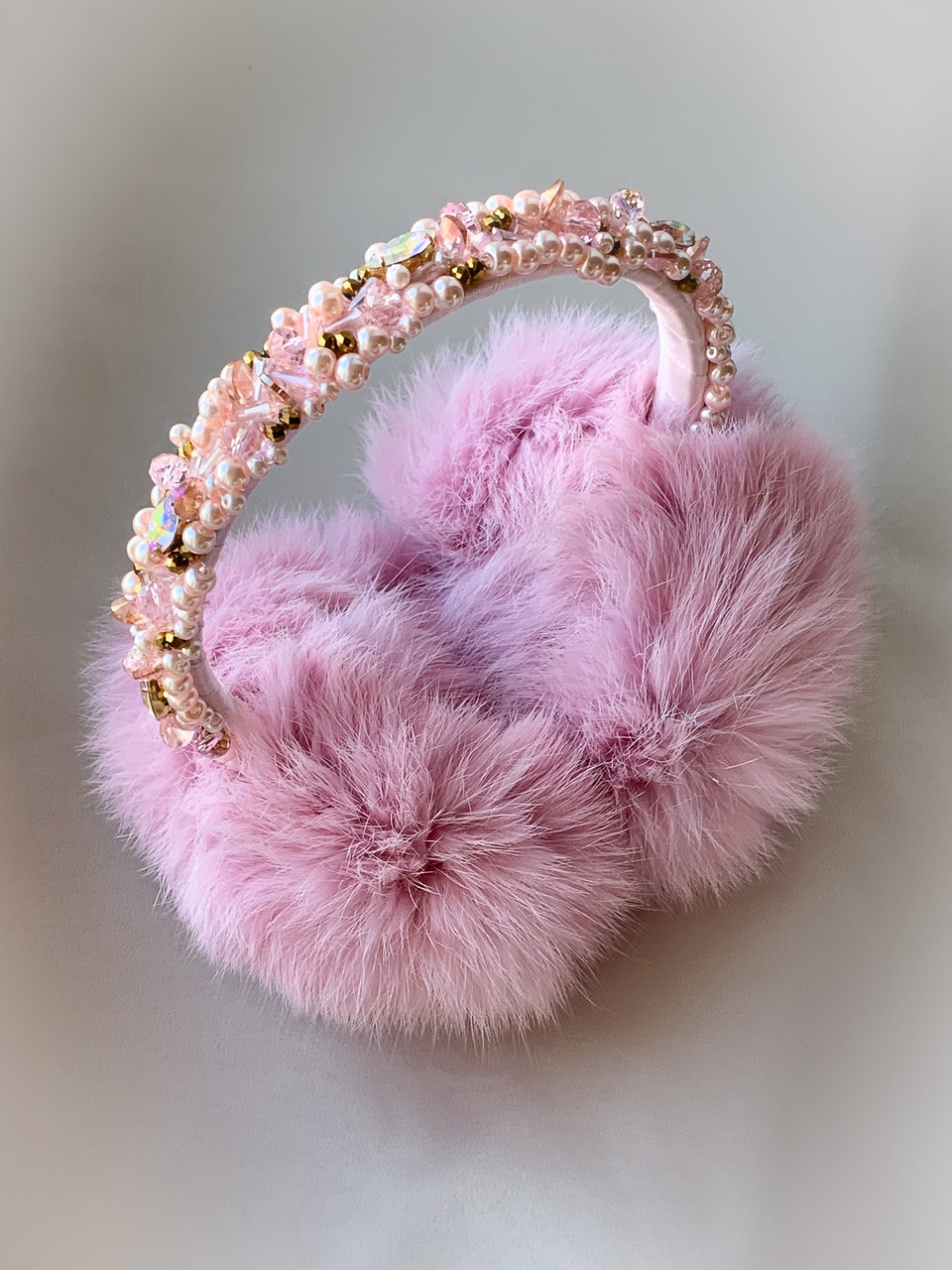 Меховые наушники вышитые розовые ручная работа