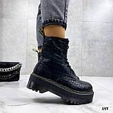 Женские ботинки ДЕМИ черные на шнуровке эко кожа рептилия / питон, фото 5