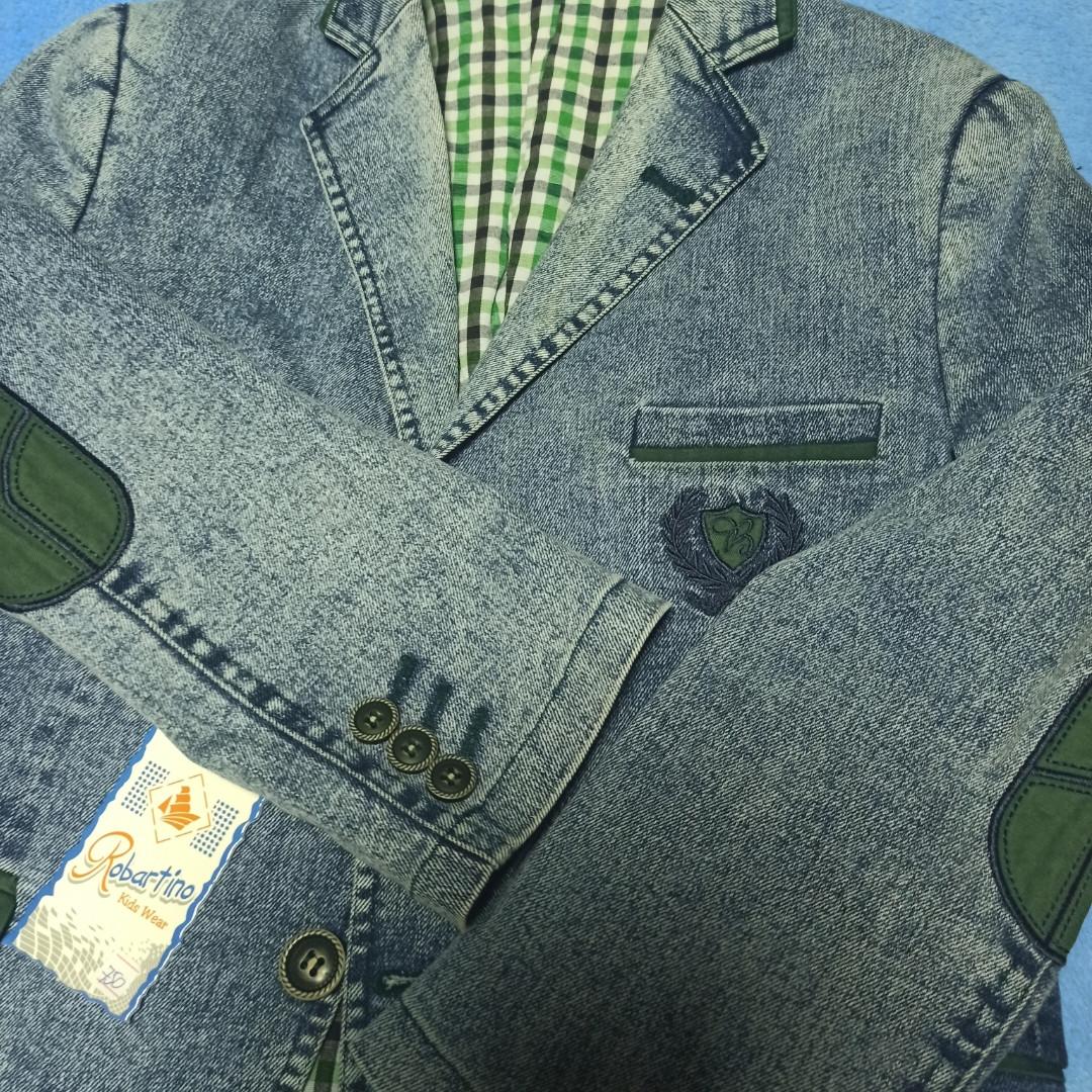 Пиджак джинсовый модный нарядный красивый с зеленой отделкой для мальчика.