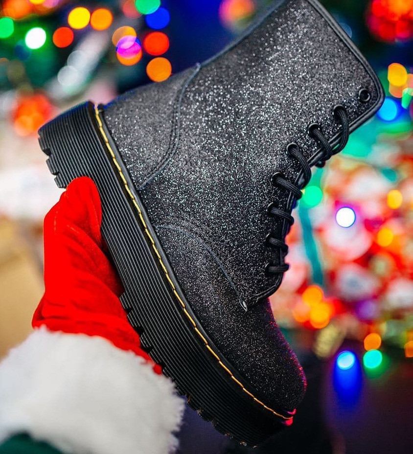 Женские зимние ботинки Dr. Martens Jadon Glitter ТЕРМО черные осень-зима. Живое фото. Реплика (мартинсы)