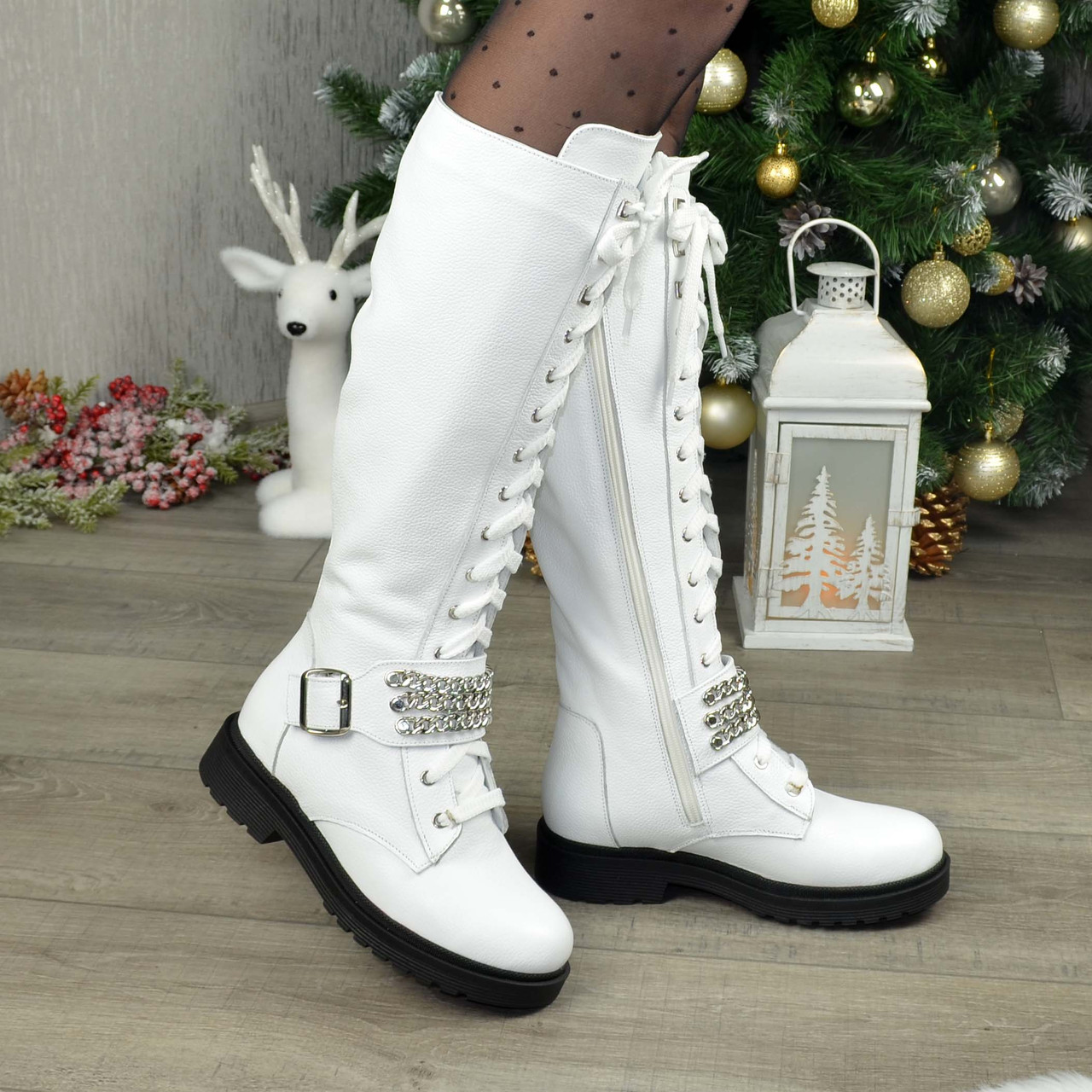 Сапоги женские высокие на шнуровке, из натуральной кожи флотар белого цвета