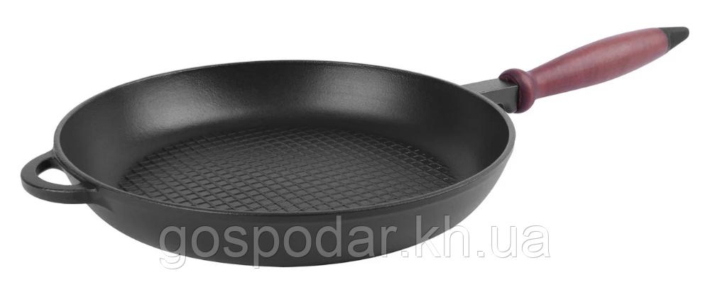 Сковорода чугунная с деревянной ручкой (d=260 мм, h=40 мм.) рифленое дно. Ситон.