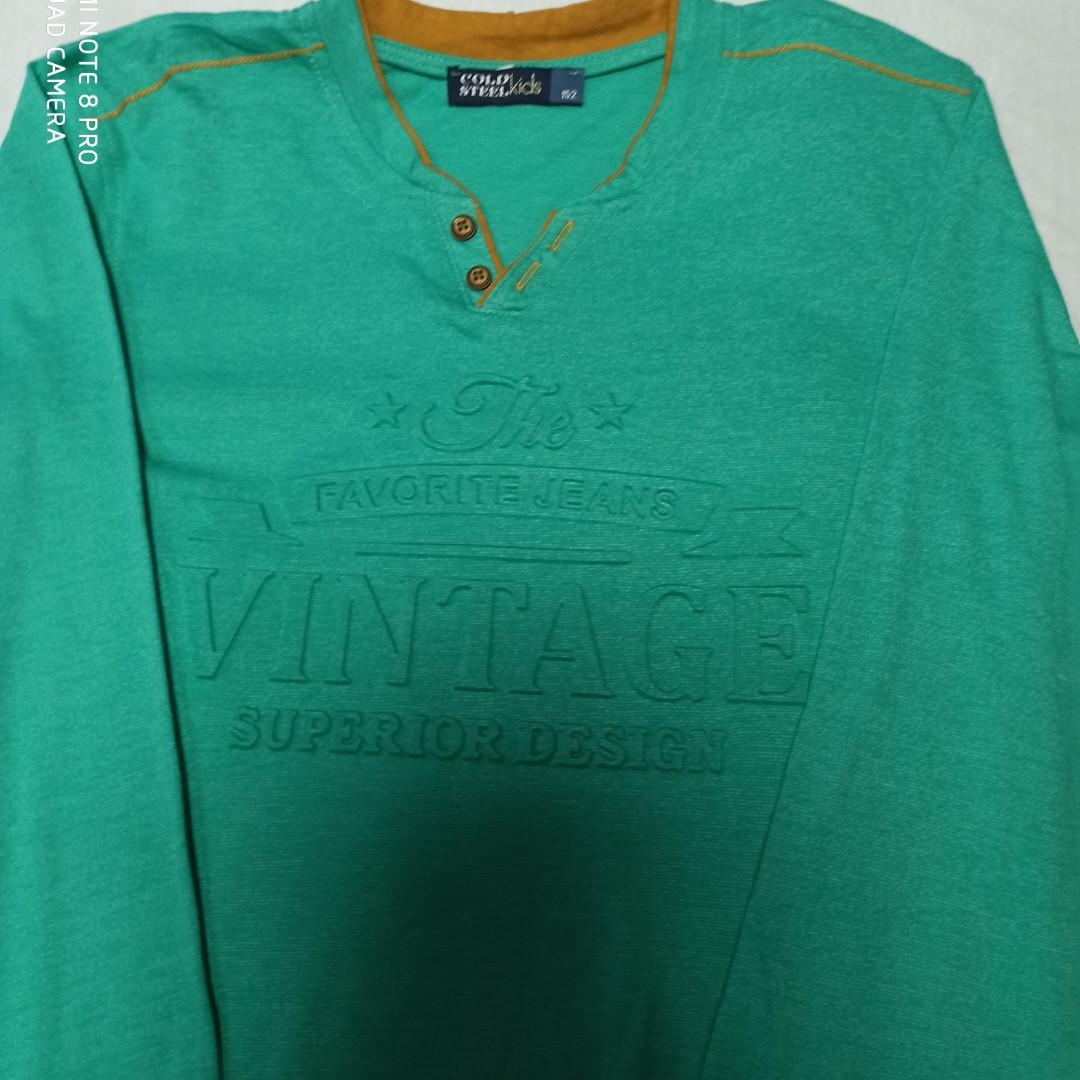 Кофта модная нарядная красивая трикотажная для мальчиков. Цвет- зеленый.Очень стильная кофта.