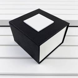 Коробка с белым квадратом Black-White