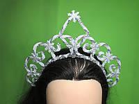 Святкова корона сніжинки, біла, срібляста