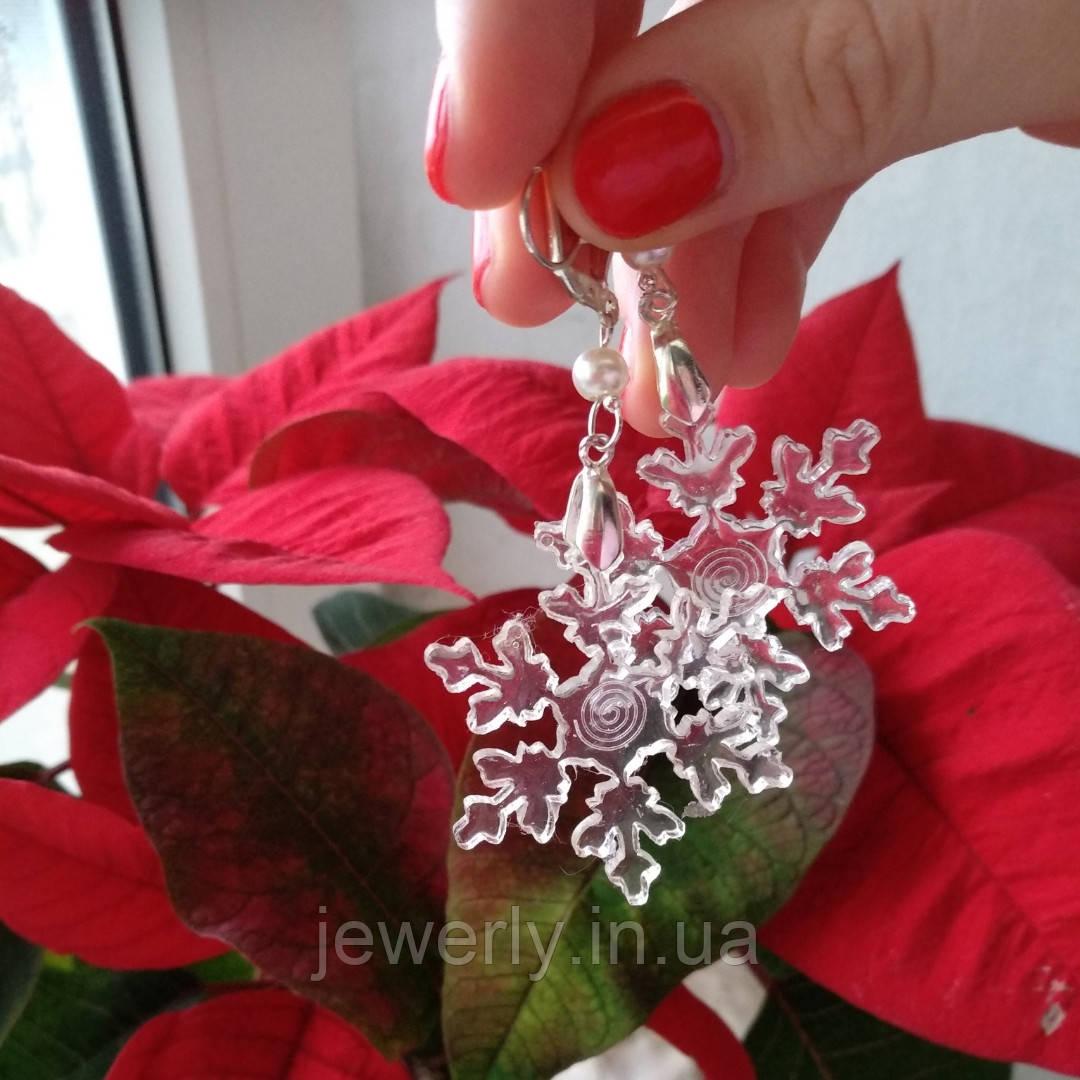 Серьги с снежинками из ювелирной смолы