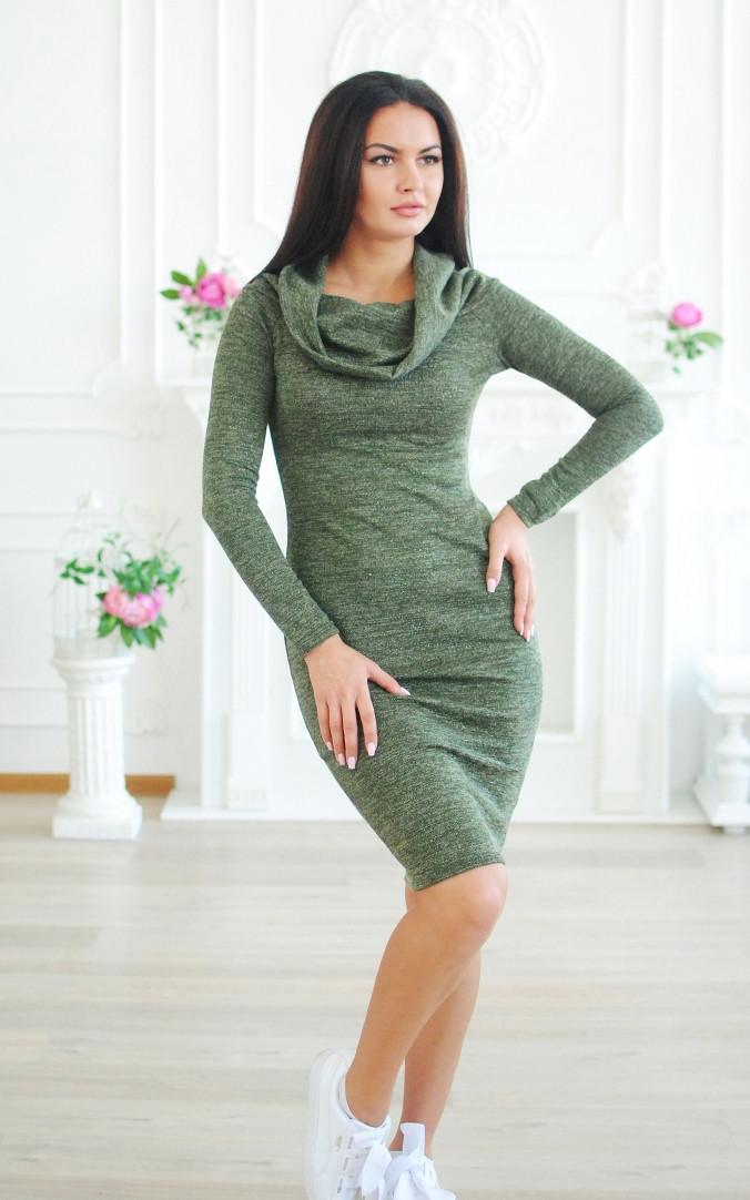 Теплое платье-хомут люрекс