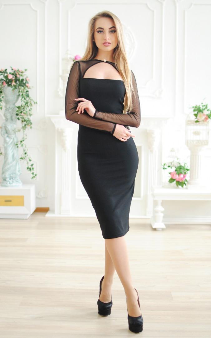 Выразительное платье