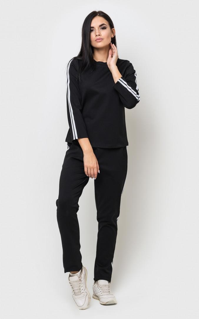 Легкий спортивний костюм чорного кольору