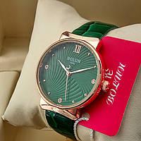Кварцевые женские оригинальные наручные часы Bolun А282 на кожаном ремешке со стразами зеленого цвета золото