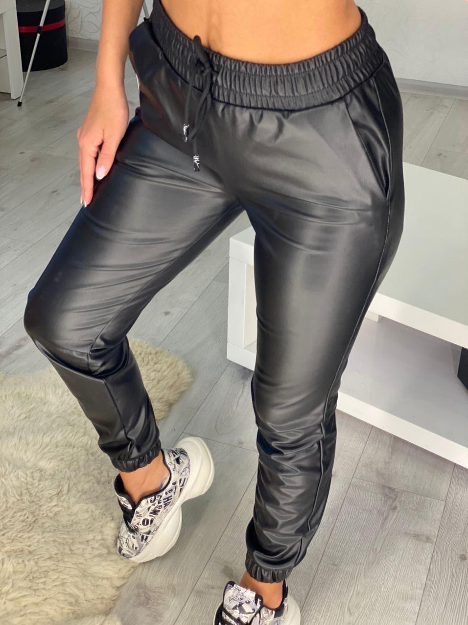 Женские кожаные джоггеры Черные