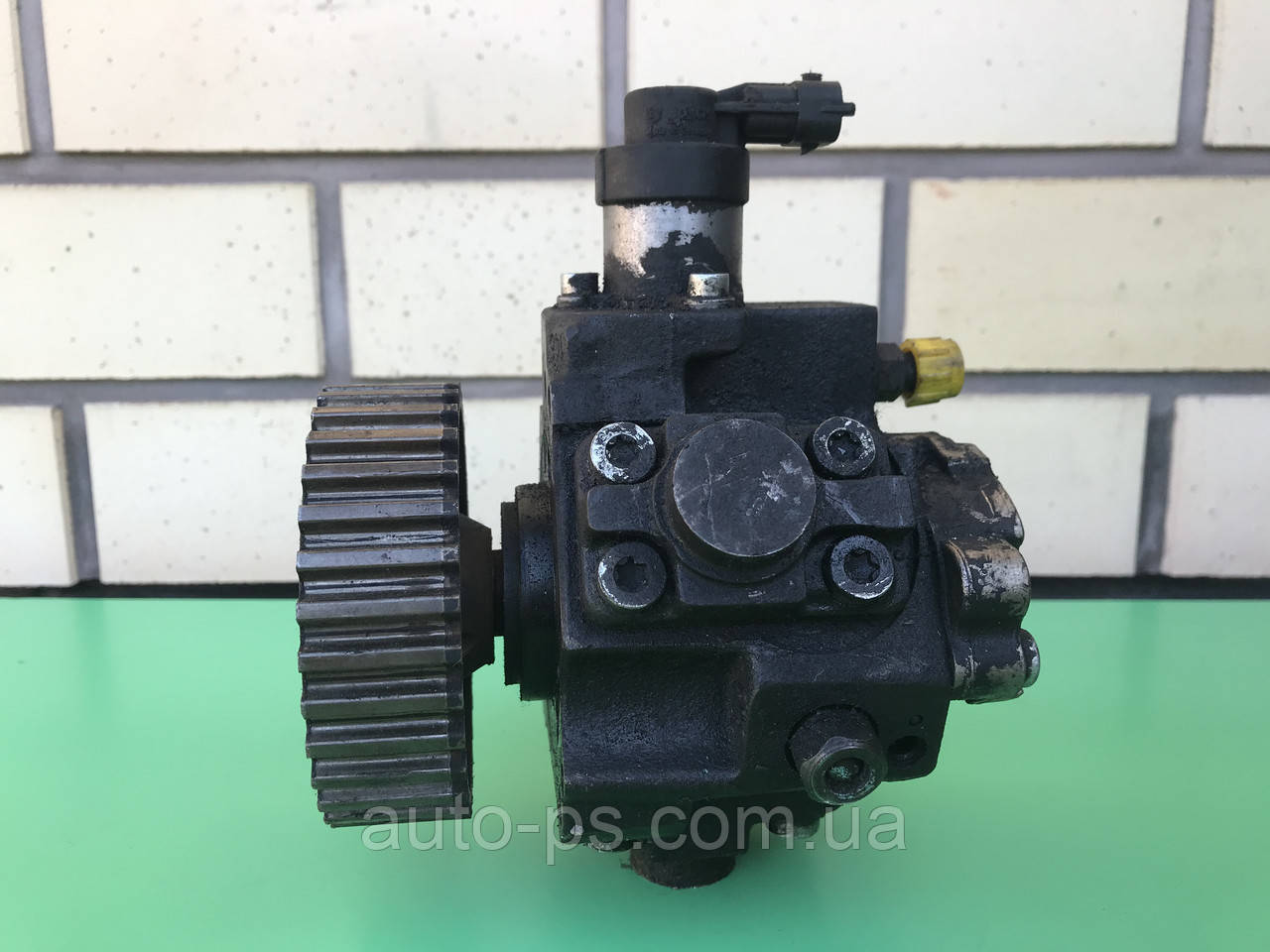 Топливный насос высокого давления (ТНВД) Peugeot 5008 1.6HDI