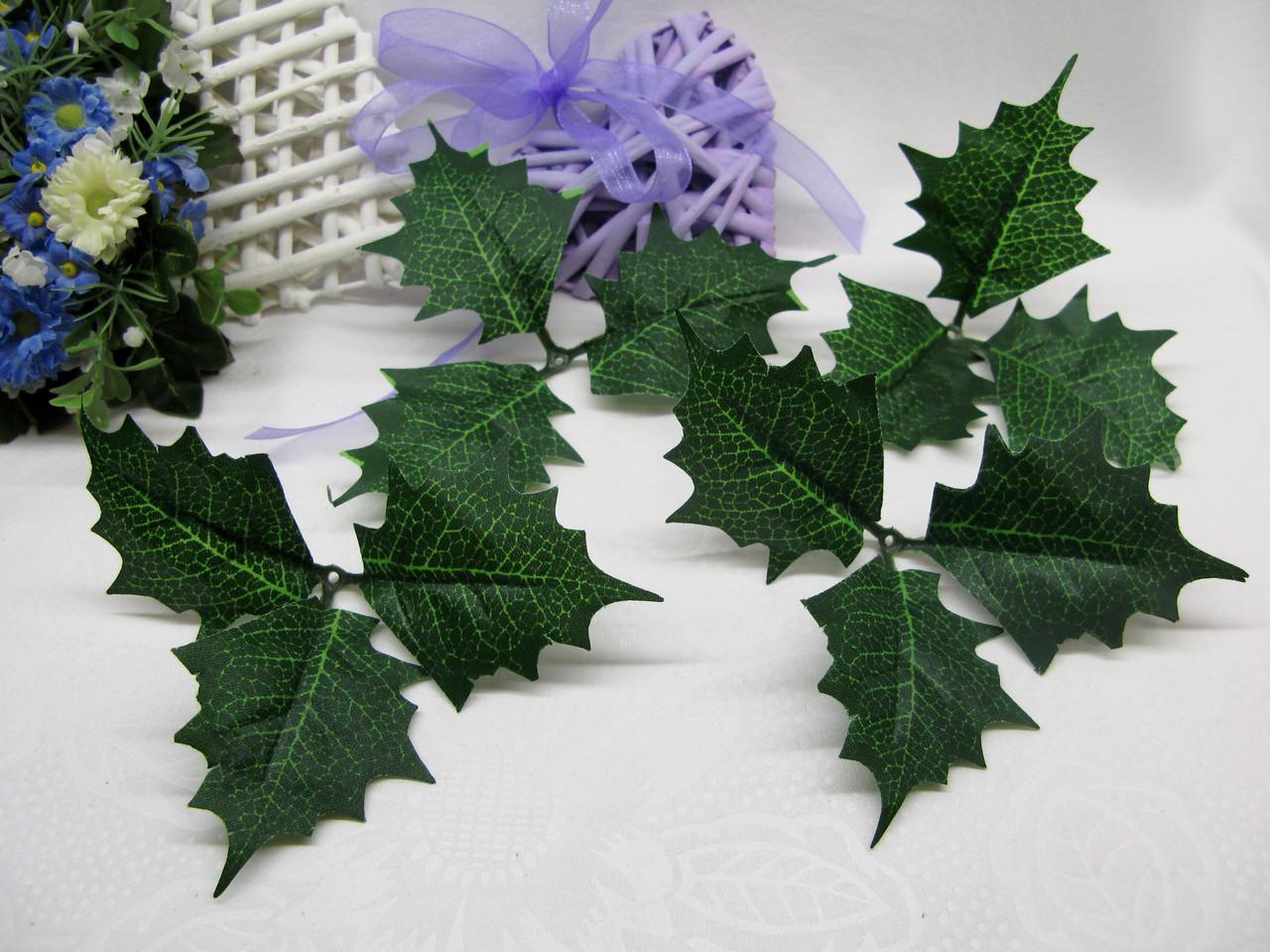 Лист падуба (без ягод) зеленый трилистник 20 грн набор (10 шт)