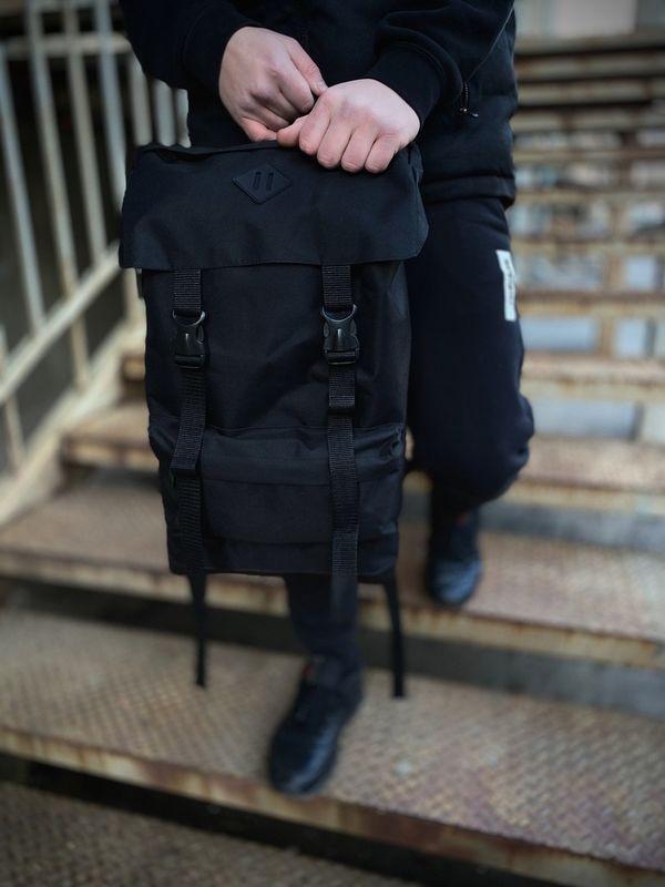 Мужской рюкзак Intruder Camping черного цвета