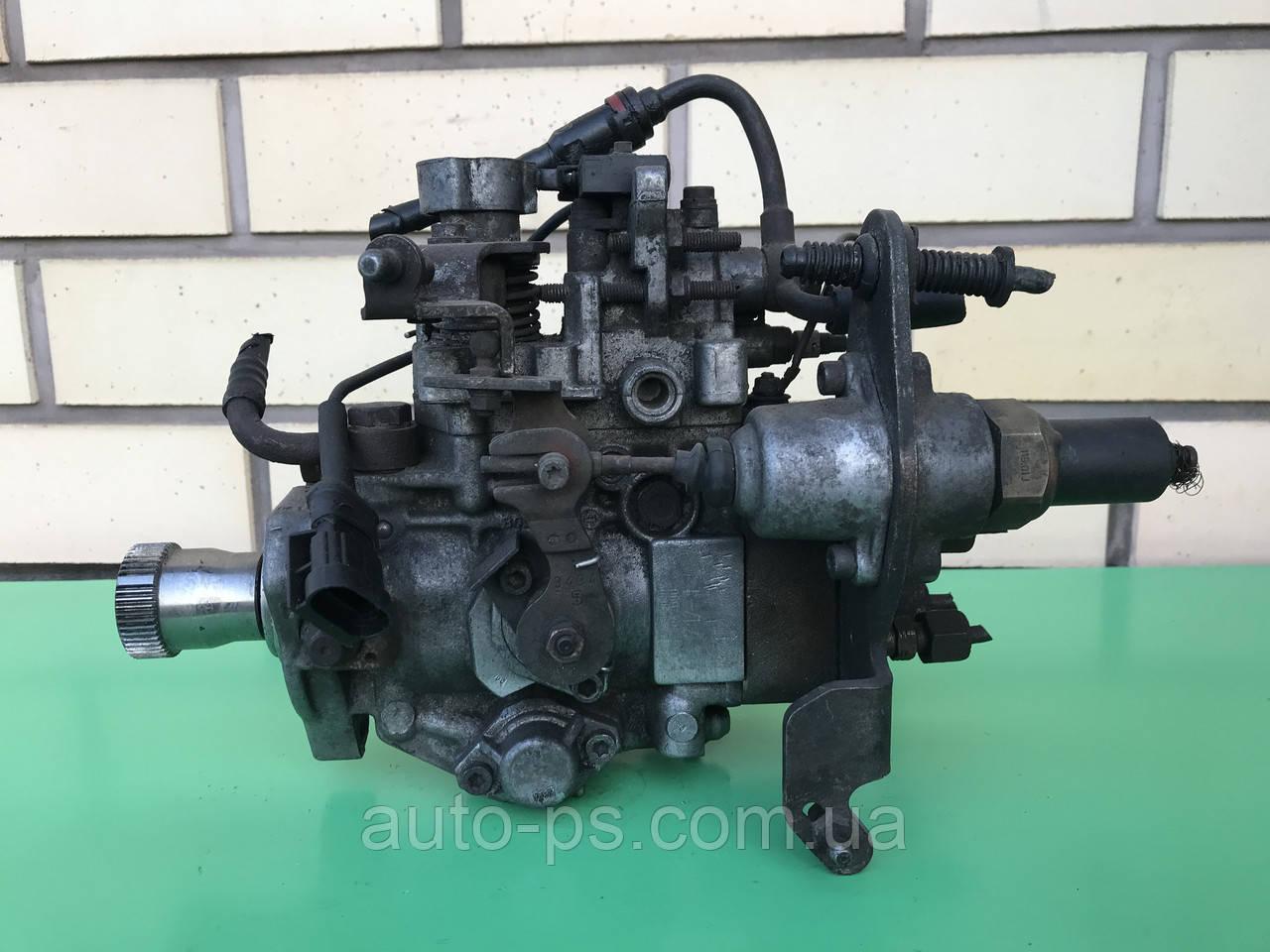 Топливный насос высокого давления (ТНВД) Renault Master II 2.5D 1998-2001 год. (С побитым ухом)
