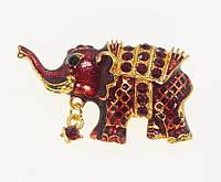 """Брошь """"Слон с прокраской бордовой эмалью и бордовыми стразами"""""""