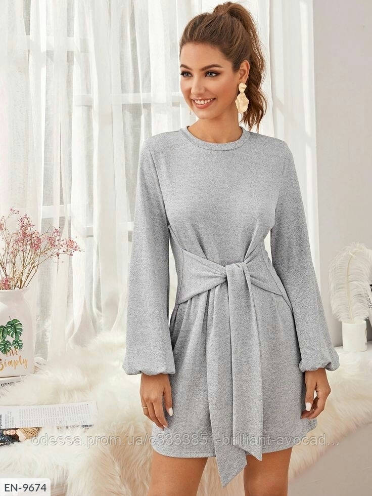 Женское вязанное платье мини из ангоры с поясом по талии