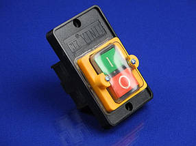 Трехполюсной пускатель для станков (220V/380V, 5A)