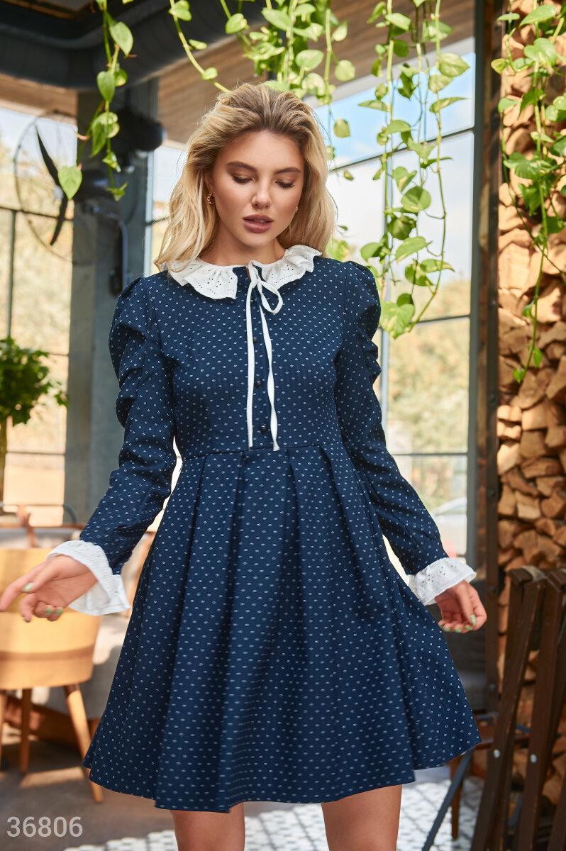 Твидовое платье в горошек с кружевом