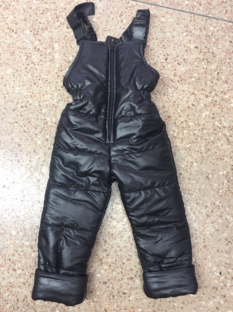 Утеплені зимові дитячі штани напівкомбінезон на синтепоні з підтяжками і змійкою спереду