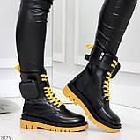 Дизайнерские яркие черные женские ботинки с кошельками на желтой шнуровке, фото 3