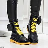 Дизайнерские яркие черные женские ботинки с кошельками на желтой шнуровке, фото 4
