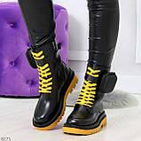 Дизайнерские яркие черные женские ботинки с кошельками на желтой шнуровке, фото 7
