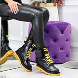 Дизайнерские яркие черные женские ботинки с кошельками на желтой шнуровке, фото 10