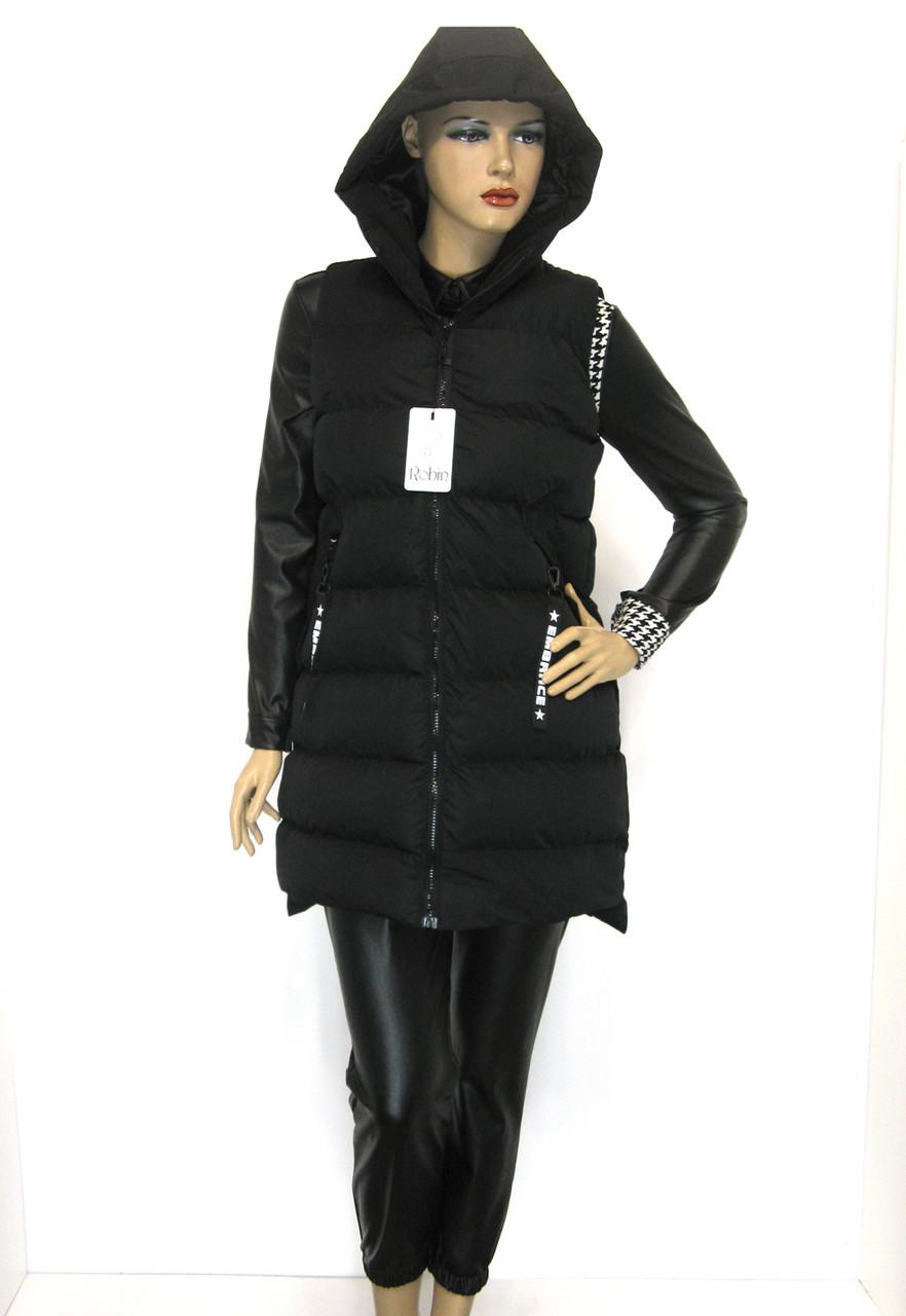 Жіноча жилетка з капюшоном