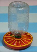 Вакуумна поїлка (під 5-ти літровий пластиковий бутель)