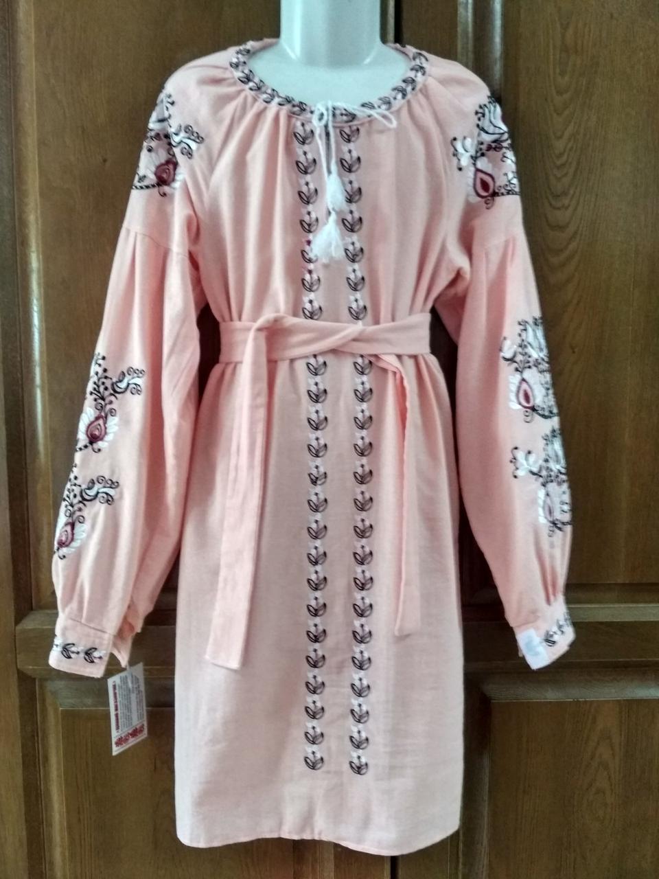 Рожева вишита сукня для дівчини  лляна тканина 42 розмір