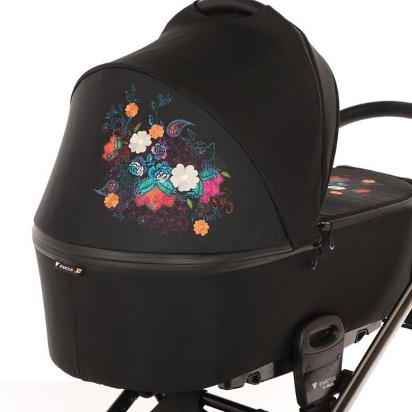 Универсальная коляска Invictus 2 в 1 V-plus Цветы (30381)