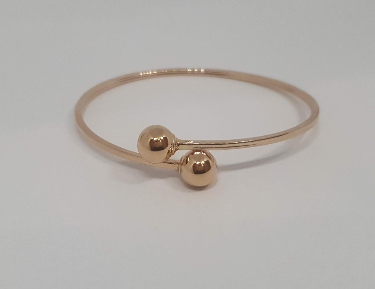 Золотой жесткий браслет. Артикул 820118 18