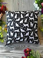 """Подушка диванная хлопковая для декора гипоаллергенная Кошки на черном"""", 35 см * 35 см"""