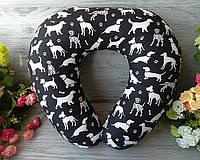 """Автомобильная подушка для путешествий в дорогу для авто U образно""""Собаки на черном"""", 41 см * 34 см"""
