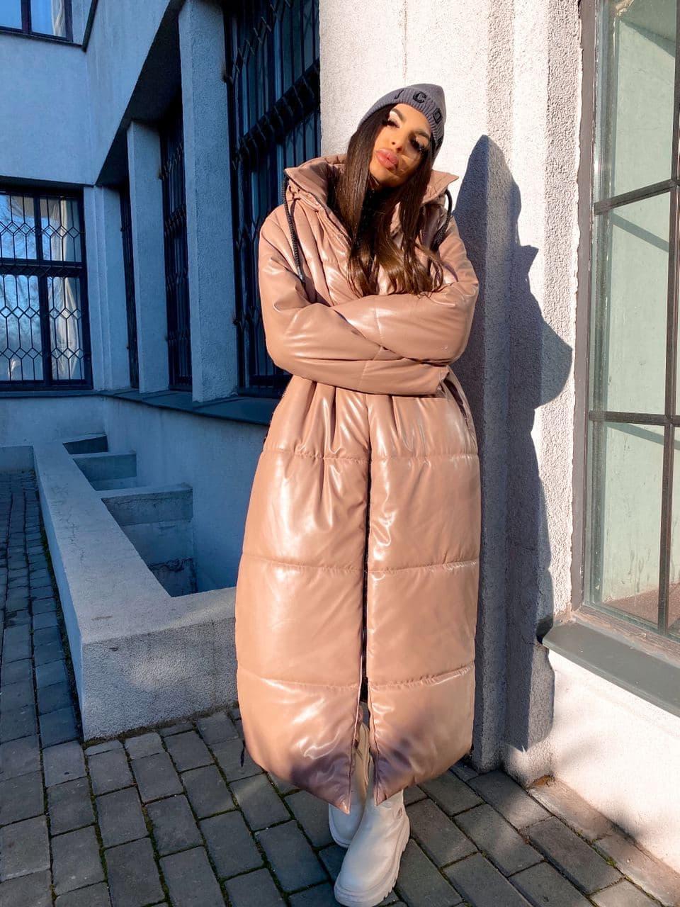 Женская  зимняя куртка с капюшоном из эко кожи