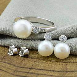Серебряный набор кольцо + серьги 9х8 мм вставка искусственный жемчуг  размер 17