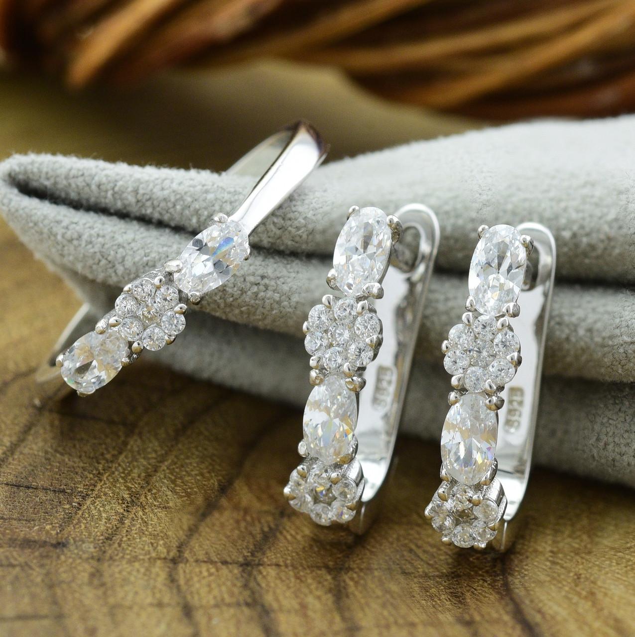 Серебряный набор кольцо размер 18.5 + серьги 17х5 мм вставка белые фианиты вес 5.7 г