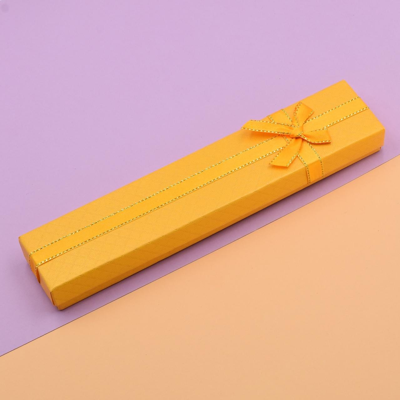 Футляр золотистый 741166 для цепочек браслетов размер 21х4 см